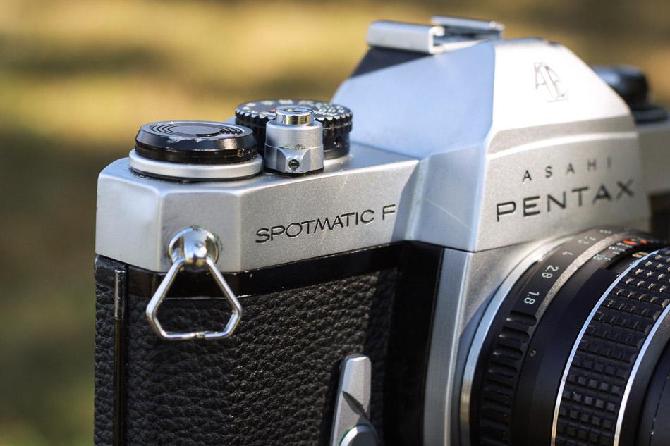 Asahi Pentax Spotmatic F* vorne