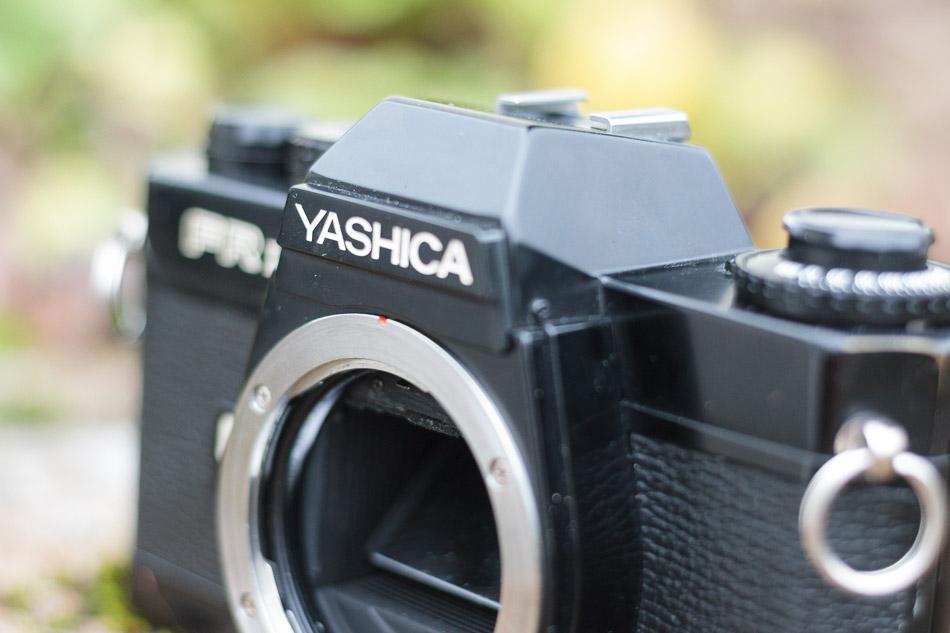 Yashica FR-I Logo